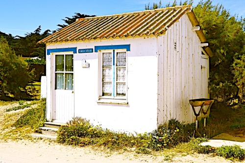 Beach hut with BBQ